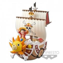 One Piece WCF - Monkey D. Luffy - Thousand Sunny - Figure MEGA (Banpresto)