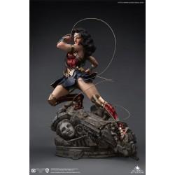 Queen Studios - DC Comics Wonder Woman 1/4 Statue (License)